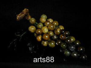 Green Jade Of A Clump Of Grapes L 40 Round