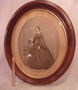 Very Large Victorian Walnut Oval Frame 28 1 2 X 33 1 2 Holds 22x27