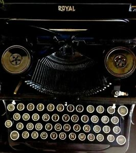 Vintage Royal Typewriter With Case Price Reduced