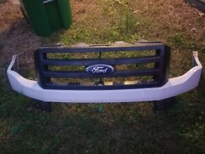 07 08 09 10 11 12 13 14 Ford Expedition Front Upper Grille Only Black Oem Read