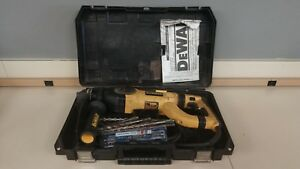Dewalt D25223 8a Corded Sds plus D handle Rotary Hammer Drill W Case And Bits