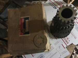 Nos Warner Model T89 Transmission Counter Gear For Jeep Truck With 232 Engine