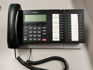 Lot Of 3 Toshiba Dp5022 sd Phones With Km5020 Sidecars box 6