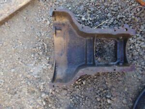 Oliver Super 55 Tractor Lower Center Casting