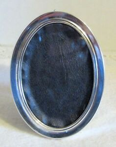 Beautiful Lunt Sterling Silver 1185 Small Oval Picture Frame
