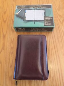 Vtg Day timer Burgundy Leather 5 X 9 Zippered Planner Leeds Loaded New In Box