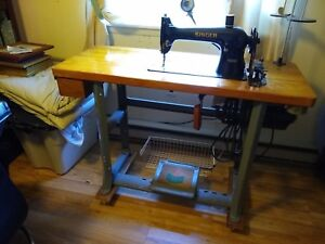 Vintage Singer Commercial industrial Sewing Machine Model 96 10