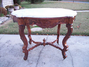 Mid 1800 S Walnut Turtle Marble Top Victorian Parlor Table Stand