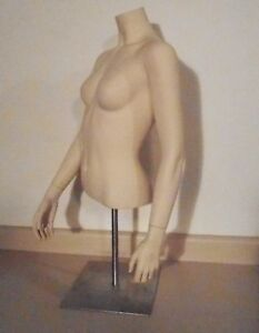 Female Torso Natural White Clothing Mannequin Soft Human Contour Well Detailed