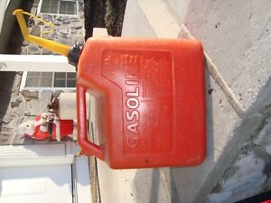 Chilton Gas Can 5 1 4 Gallons Vented With Spout P50