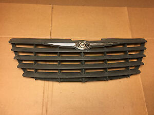 2005 2006 2007 Chrysler Town Country Front Grille 04857956aa