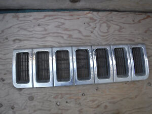 1996 1997 1998 Jeep Grand Cherokee Front Grille 55055059