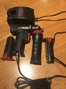 Snap on 3 8 Impact 7 2 Volt Flashlight 2 Batteries And Charger
