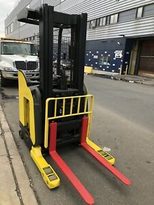 Hyster Forklift Electric Stand Up 3k Narrow Aisle 36v Truck W Demo Battery