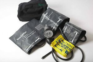 Welch Allyn Tycos Classic 5090 02 Hand Aneroid Sphygmomanometer Family Kit 4 Cuf