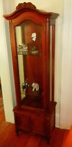 Vintage Victorian Style Wood Curio Cabinet With Glass Door And Lighting