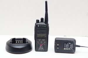 Motorola Cp185 Two Way Radio Uhf Vhf Aah03rdf8aa7an With Charger And Cradle