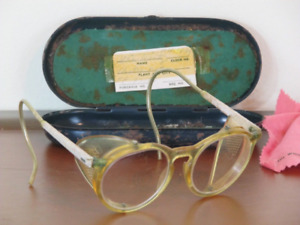 Vintage American Optical Safety Goggles Glasses Plastic Frame Glass Round W Case