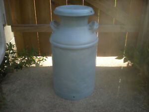 Vintage Superior 10 Gallon Metal Milk creamer Can W Lid nice Decor