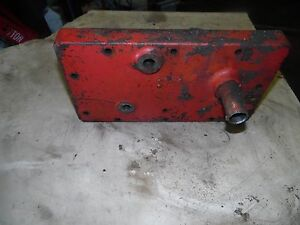 Farmall 806 Gas Tractor Transmission Cover