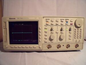 Tektronix_tds744a Digital Oscilloscope 500mhz 2gs s Works Warranty T13