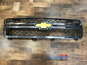 2011 2013 Chevy Silverado 2500hd Front Grille W Emblem Oem Pre owned