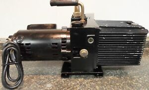 Working Sargent Welch Directorr Vacuum Pump 8816