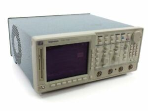Tektronix Tds 744a Color Four Channel Digitizing Oscilloscope 500mhz 2gs s
