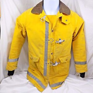 Vintage Firefighter Jacket Globe Fireman Army Duck Small Boy Scout Patch 1977