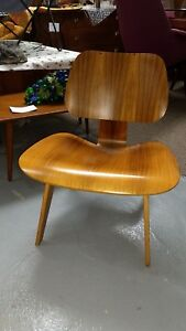 Rare Rw Eames Molded Plywood Lounge Chair