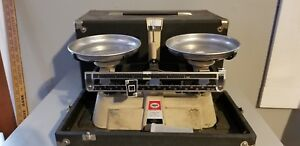 Vintage Ohaus Scale Double Beam Harvard Trip Balance 2kg 5lb With Case