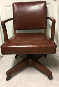 Antique Vintage Leather Hardwood Swivel Bankers Lawyer Doctor Office Chair