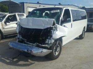 Console Front Floor With Stowage Compartment Fits 08 16 Express 2500 Van 918477