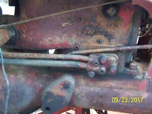 International farmall Cub Tractor Hydraulic Lift Assm Under Tank