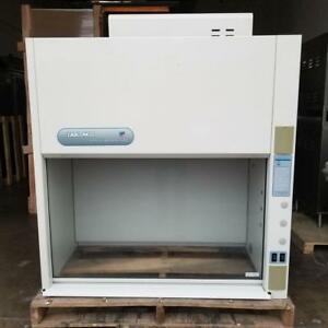 New Labconco 47 W Protector Laboratory Chemical Fume Hood