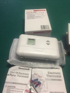 Honeywell T8411r 1028 Electric Heat Pump Thermostat 24v Large Display Brand New