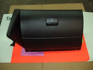 2002 2005 Volkswagen Jetta Golf Glove Box Black Oem