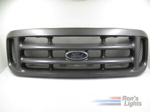 1999 2004 Ford F 250 Front Grille W Emblem Oem Pre Owned