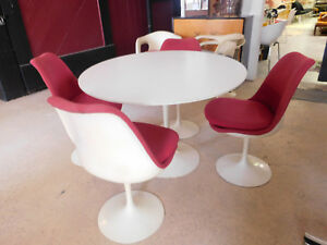 Vintage Knoll Tulip Dining Table And 4 Chairs