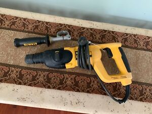 Dewalt Corded Drill D25023 Sds Rotary Hammer Drill Pre owned