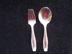 Toddler Size Setting Wallace Sterling Silver Stradivari Pattern Fork