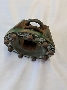 Oliver 880 Tractor Axle Hub