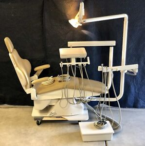Dental Chair Dansereau Am Pedo W Doctor assistant Infinity Delivery Exam Light