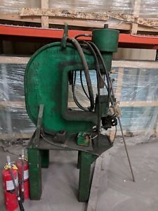 90 Ton Whitney Hydraulic Webb Punch With Power Supply Yoder 69850