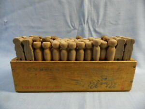 Vtg 72 Antique Wood Clothes Pins In Wood Cheese Box Country Decor 4 Laundry Room
