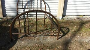 Antique Wagon Wheel Bed With Cast Iron Side Button Rails Full