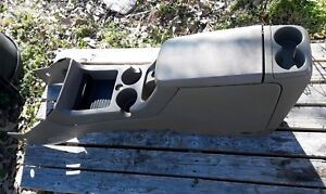 2002 2005 Ford Explorer Center Console Mountaineer Cupholder Tan Oem 2003 2004
