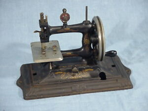 Antique Muller Model 18 Cast Iron Toy Hand Crank Treadle Head Sewing Machine