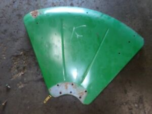 Oliver 770 Gas Tractor Fender right