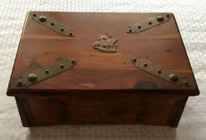 Vtg 1920s Sturdi Small Pirates Treasure Chest Wood Box Cedar Hamilton Co In